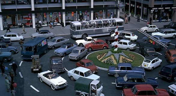 8. Das Kreisverkehrskarussell in PLAYTIME (1:59:55)